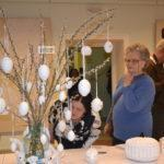 A népművészet kincseire épülő alkotások tárháza a könyvtárban