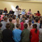 Ismeretterjesztő turnén a zeneiskola tanárai