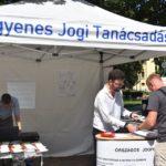 Jogi tanácsadás a Kossuth téren