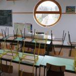 Hétfőtől bezárnak az iskolák- jön a digitális oktatás