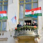 T R I A N O N – 2 0 2 0 (V.)  Új zászlók a városházán – Trianon emlékezete
