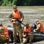 Katonai felderítők a szentesi Tiszán
