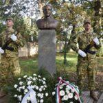 Megkoszorúzták vitéz Vastagh György szobrát