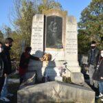 Megkoszorúzták a Zsoldos család síremlékét