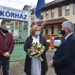 A parlamenti képviselő köszöntötte a szentesi ápolónőket